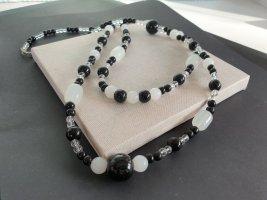 Boutique Ware Collier incrusté de pierres noir-blanc