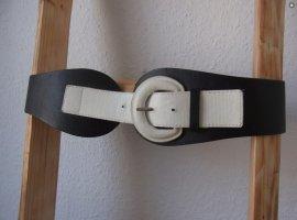 Eleganter breiter Gürtel im Farbmix Schwarz Weiß elegant wide belt with black and white bucklebelt