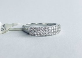 Anello d'argento bianco-argento