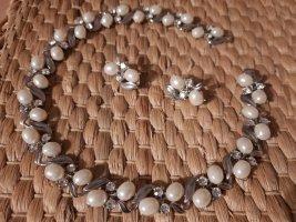 Collar color plata-blanco