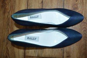 Englische hübsche Leder Pumps Gr. 40 von BALLY