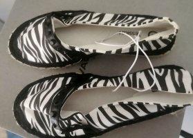 C&A Slippers white-black linen