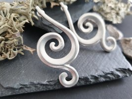 Ear stud silver-colored