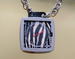 extravagante Uhr / Halskette von S.T.A.M.P.S.
