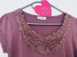 Fancy Shirt mit Rosen Applikation verspielt Blusenshirt in Lila Flieder Romantik Look Puffärmel Orsay Größe M 38