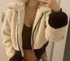 Pull & Bear Giacca di pelliccia crema-nero