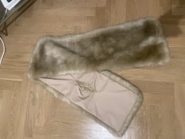 Faux fur Schal