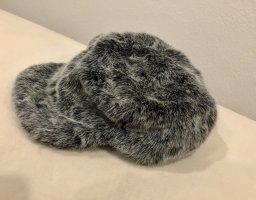 Futrzana czapka srebrny-szary