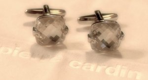 Feminine silberne Manschettenknöpfe mit großen facettierten Zirkonia Steinen