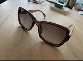 Fendi Angular Shaped Sunglasses dark orange-brown