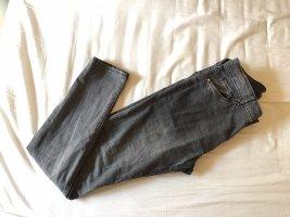 Figurbetonte, graue Jeans LETZTE CHANCE (in 1 Woche biete ich es anderweitig an)