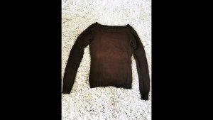Figurbetonter brauner Pullover