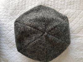 Chapeau en feutre gris foncé