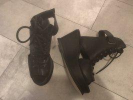 Find Leder Sandalen schwarz