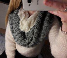 Flaauschiger Loop-Schal für den Winter