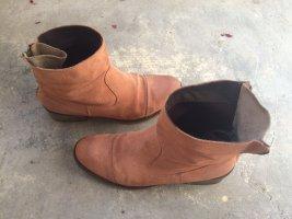 Flache Boots, breiter Schaft, Rosé/Nude, Goldglanz-Detail, Gr. 40