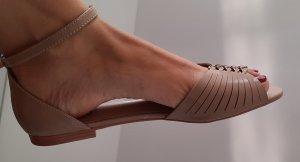 Sandalo comodo color carne