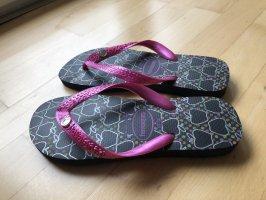 Havaianas Flip-Flop Sandals black-pink