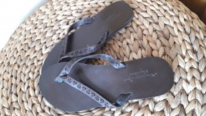American Eagle Outfitters High-Heeled Toe-Post Sandals dark brown