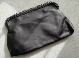 FOREVER21 schwarze Clutch mit Kettendetails vegan leather