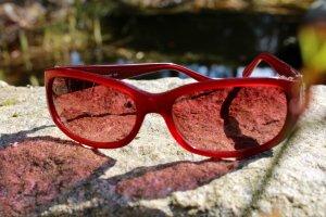 Fossil Sonnenbrille in dunkelrot