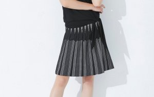 FOX'S Asymmetry Skirt black-white