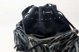 H&M Torebka z frędzlami czarny Tkanina z mieszanych włókien