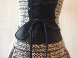 Französisches Kleidchen mit seitlicher Schnürung