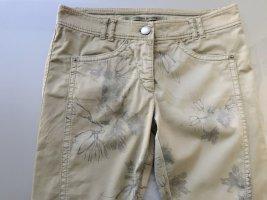 Freche Jeans von Marc Cain