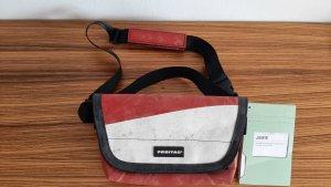 Freitag Messengerbag white-red