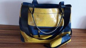Freitag Schoudertas met klep geel-blauw