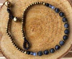 Fußkette 11 dunkelgraue Perlen 0,5 cm messingfarbene Mini Perlen 26 cm Länge