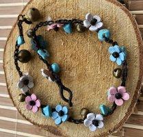 Fußkette Leder 10 Blüten 1,2 cm weiß rosa hellblau Halbedelsteine Türkise Länge 30cm