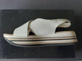 G.K.M. Sandalias con plataforma blanco Cuero