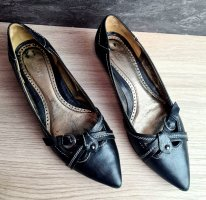 Gabor Pointed Toe Pumps black