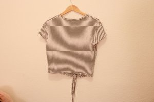 Geknotetes T-Shirt