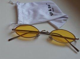 Glasses yellow