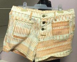 Gemusterte Jeansshorts mit orangen Details von machima