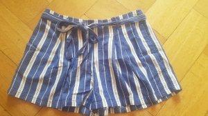 Gestreifte Shorts, neu