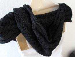 gestrickter Schal mit Kapuze, schwarz