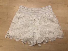 Gina Tricot Shorts 36 S weiß Häkel Hot Pants gehäkelt Hippie Boho Top