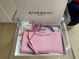 Givenchy Wallet on Chain