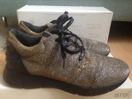 glitzernde Schuhe im angesagten Style, aus Italien, Größe 40