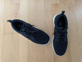 Glitzernde Sneaker