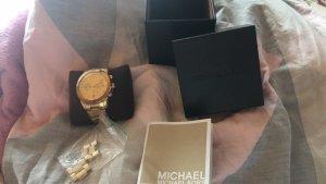 Goldene Damenuhr von Michael Kors