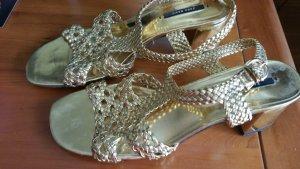 Goldenen sandalleten von Zara