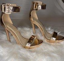 Goldener High Heel