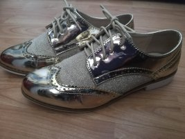 Wingtip Shoes gold-colored