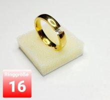 Goldfarbener Ring aus Stahl