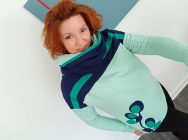 Maglione twin set verde pallido-blu scuro